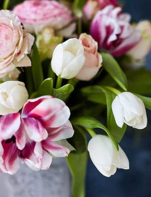 Frühlingsstrauss mit Tulpen Tulpenstrauss